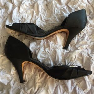 Black satin heels - Kenneth Cole size 9